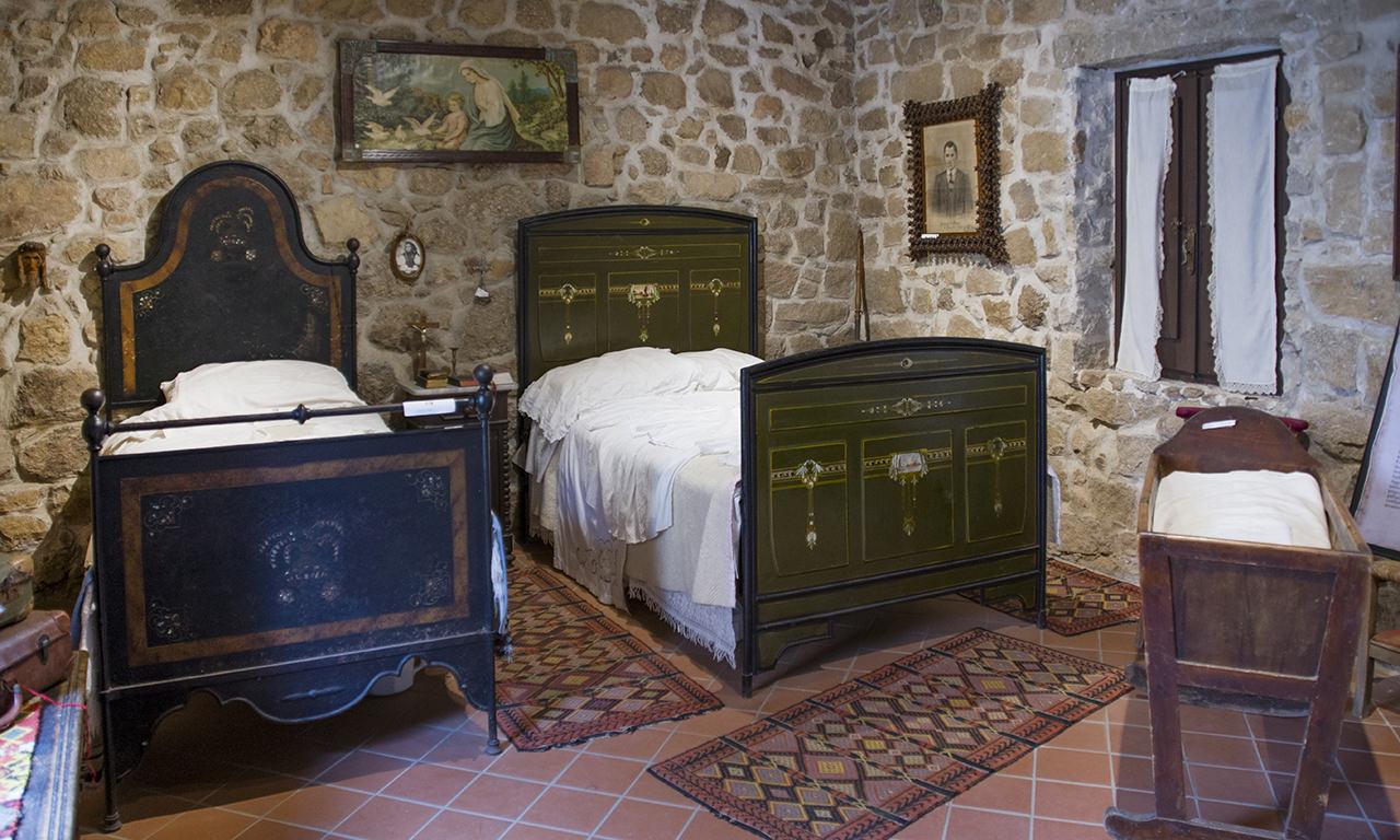 uno degli ambienti del museo MEOC di Aggius, in Sardegna